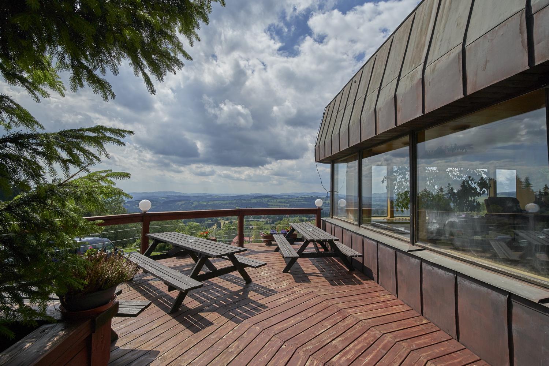 Ubytování na Benecku v Krkonoších - Horský hotel Kubát - terasa