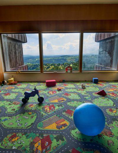 Ubytování na Benecku v Krkonoších - Horský hotel Kubát - dětský koutek